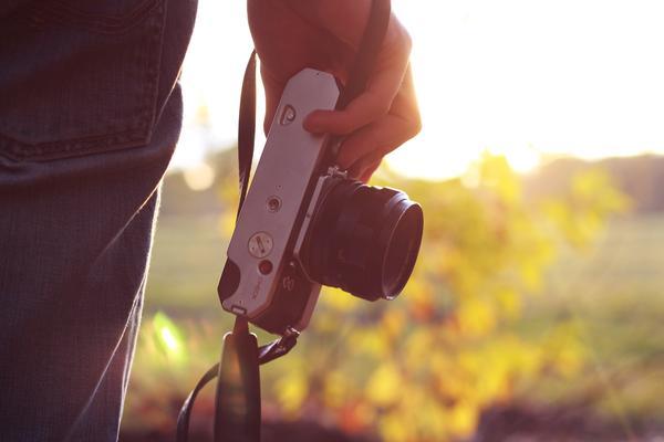 'Camera in hand'  Jean Pierre-brungs